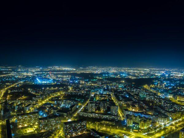 Sky Tower Wrocław by: @borowyphoto