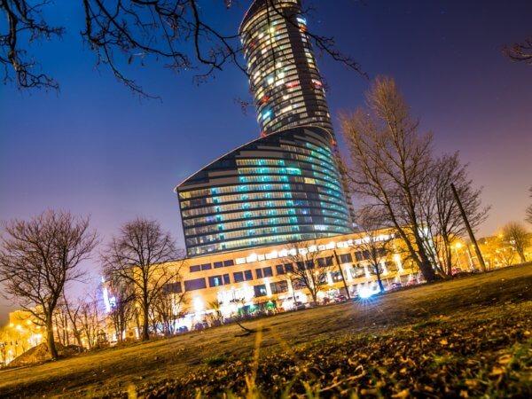 Sky Tower Wrocław by: @thehajdi